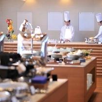 リゾートダイニング『フジヤマテラス』 朝食会場 ※イメージ