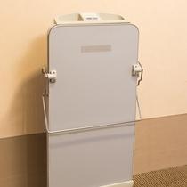 ◆ズボンプレッサー◆ 無料貸出品です。各階エレベーター横にご用意しています。