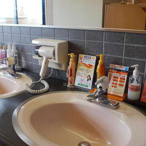 大浴場には、アメニティーも揃えております。