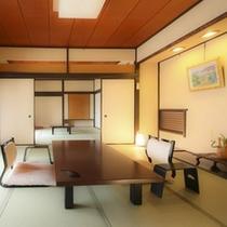 【離れ露天付客室初島】は、昭和建築の趣と次の間付きの広い間取りの客室で当館人気のお部屋です。