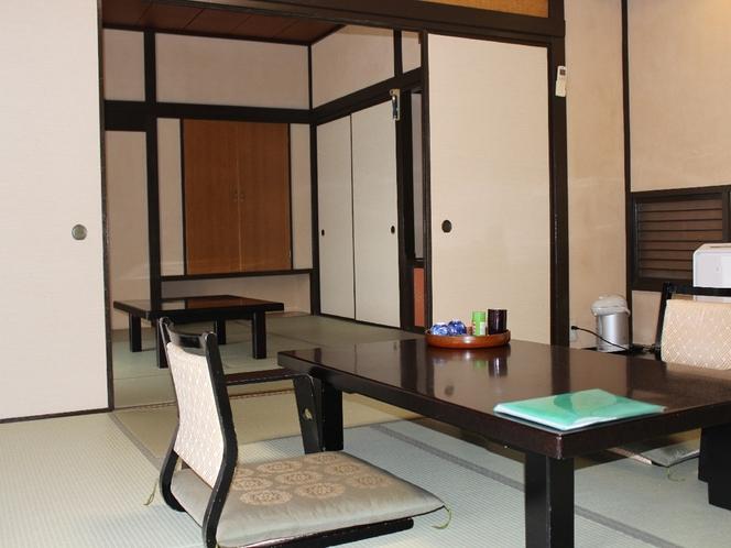 【本館客室】当館はすべてのお部屋の間取りが異なります。(撮影2017.12)