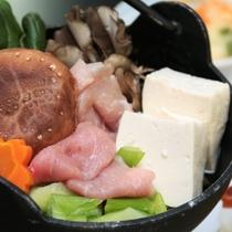 お鍋【夕食単品】地元の食材を使った田舎風家庭料理