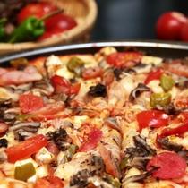 【別注料理】片品特産のトマトと野菜たっぷりの自家製ピザ