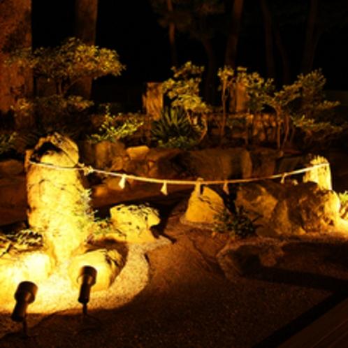 プチ夫婦岩(お庭)