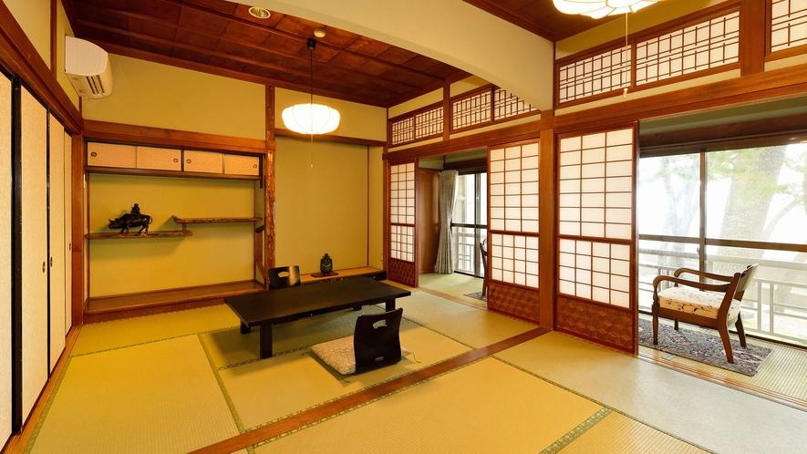 ・【数寄屋風客室12畳一例】欄間や違い棚など伝統的な和の意匠が息づくお部屋