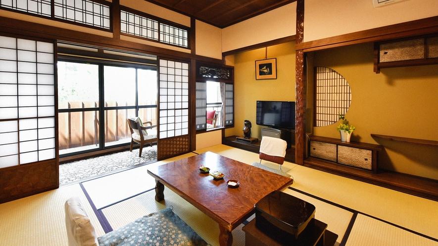 ・【数寄屋風客室12畳一例】木の香りと和の趣のあるお部屋