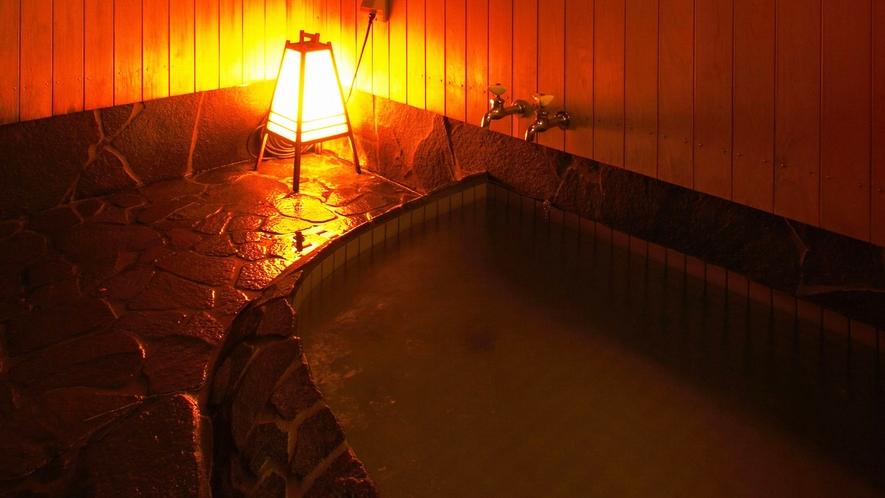 ・貸切露天風呂:内風呂付で使いやすい仕様です