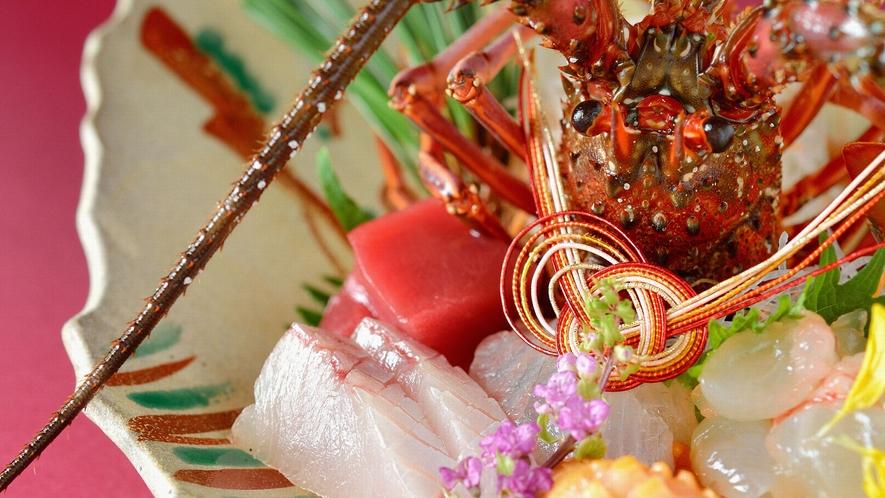 ・【お造り盛り合わせ】伊勢海老や鯛など新鮮な魚介類をご堪能ください