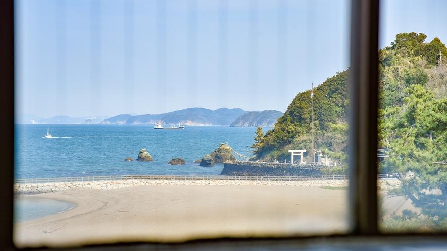 *【男湯】夫婦岩が見られる展望風呂