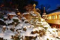 中庭雪(冬)