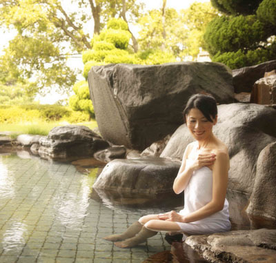 天然温泉露天風呂■