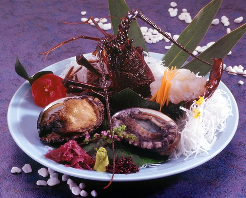 【超豪華・当館一番人気】新鮮伊勢海老♪あわび踊焼き♪たらば蟹など☆海の幸盛沢山スペシャル懐石コース♪