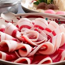 *「低脂肪」「低カロリー」「低コレステロール」でヘルシーなぼたん鍋(冬季のみ)