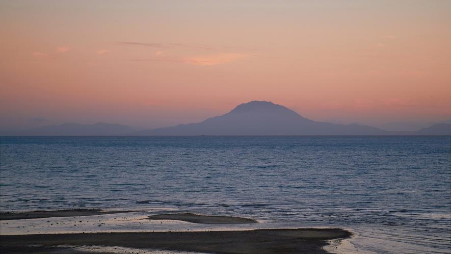錦江湾越し桜島の景色