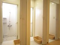 Cシャワーブース(在館中は何度でも利用できます)