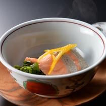 夕食一例〜蒸物・山菜の信州サーモン巻