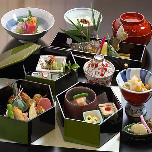 【四季御膳】お刺身など小鉢が付いてグレードアップ