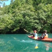 【カヌー体験】美しい四万ブルーの湖で、新しい感動に出会う旅