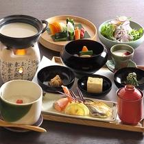 【朝食】朝食は和食膳をお楽しみいただけます。