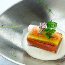 旬の食材を味だけでなく、目でも楽しむ会席料理※お料理イメージ