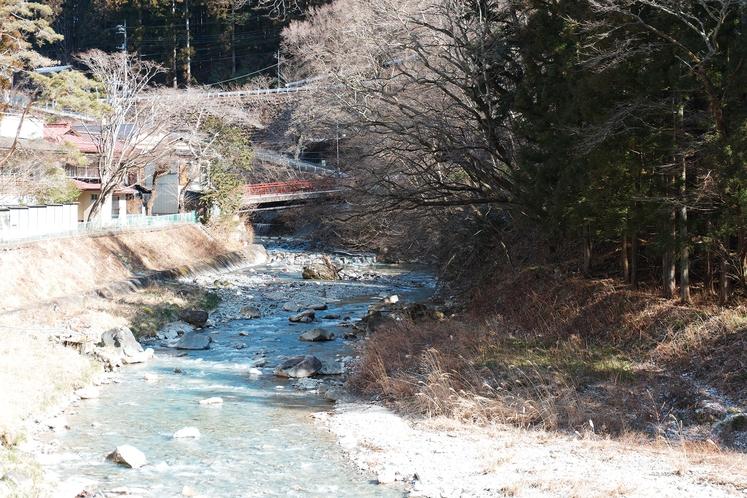 冬の四万川