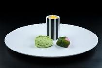 デザート 桜道明寺と氷菓子