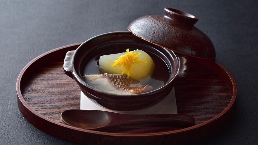 【冬料理】温菜 鯛と蕪の小鍋仕立て