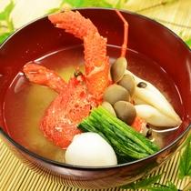 贅沢な1品❤大女将が丹精込めて作った味噌で作る『ロブスターのお味噌汁』