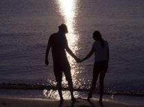 大切な方と青島のビーチをお散歩してみてはいかがでしょうか