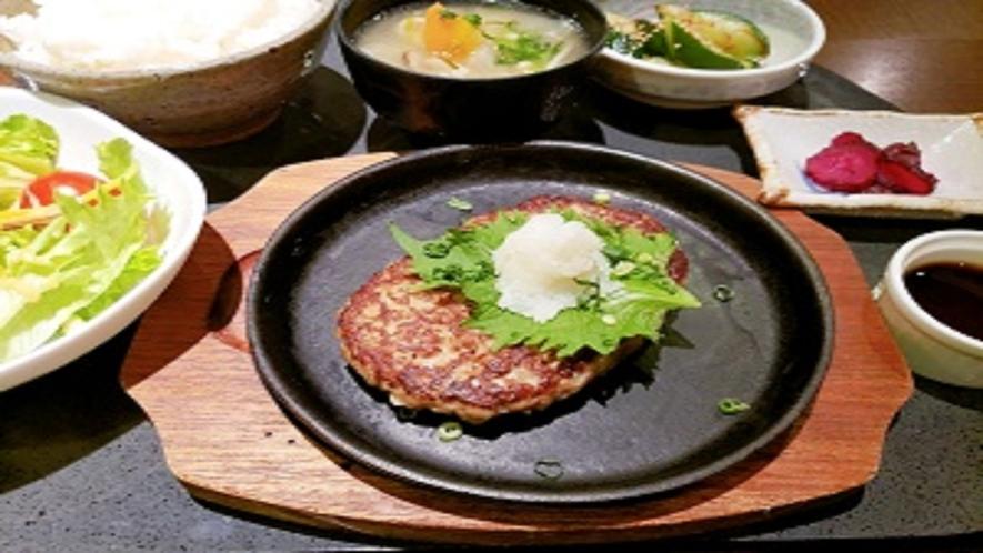 夕食レストラン ハンバーグ定食