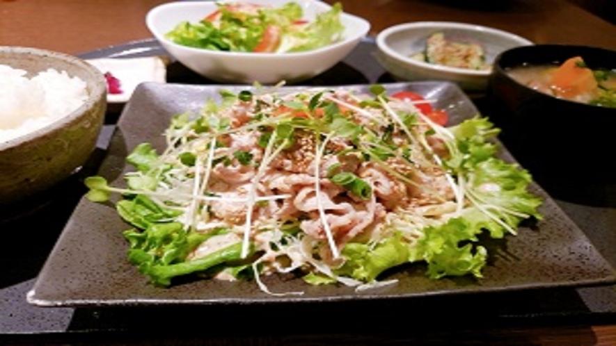 夕食レストラン 豚しゃぶ定食
