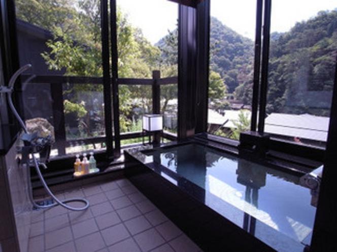 クリスタル 風呂