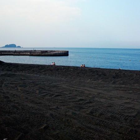 シュノーケルがお勧めの「川奈いるか浜公園」はホテルより車で約15分(7月中旬より)