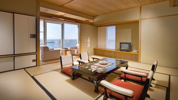 三河湾の絶景を一望する眺涛閣「特別室 和洋室」