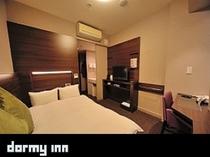 コンフォートダブルルーム(140×205センチ)約13平米デスクタイプ シモンズ社製ベッド