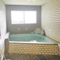 *女性大浴場/アルカリ性単純温泉となっております。筋肉痛、神経痛などの効能があります。