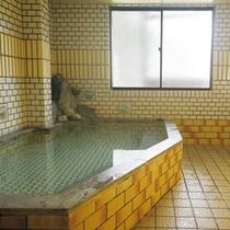 *男性大浴場/手足を伸ばして至福のひと時♪お風呂で1日の疲れを癒して下さいね♪
