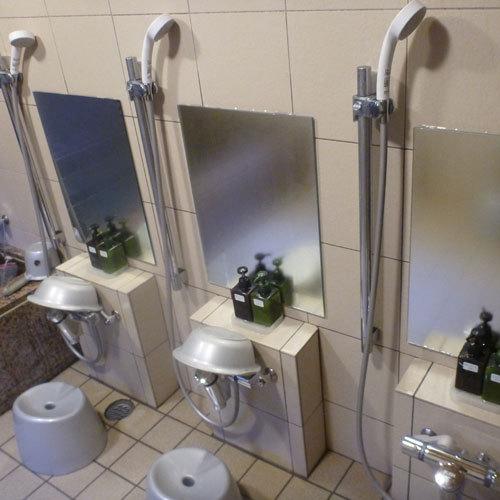 男性共同風呂★洗い場