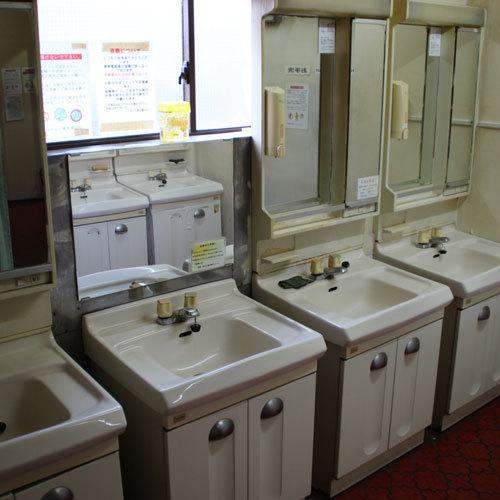 カプセルフロア洗面所