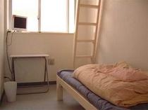 室1例、全室ロフト付き
