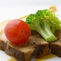【創作料理一例】厳選されたお肉の素材そのものの味をお楽しみください。