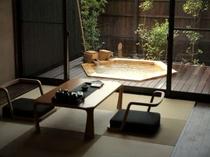 【king】ベッドルームとリビングに分かれている開放的な和洋室/例