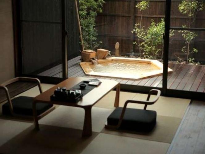 ベッドルームとリビングに分かれている開放的な和洋室/例