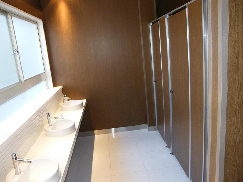 館内女子トイレ