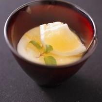 【デザートのイメージ】季節ごとの甘味をお楽しみ下さい。