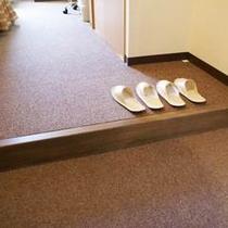 ♪客室入口(靴を脱ぐスタイル)