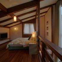 【客室/104】2階の寝室には星空が見えるロマンチックな天窓付き