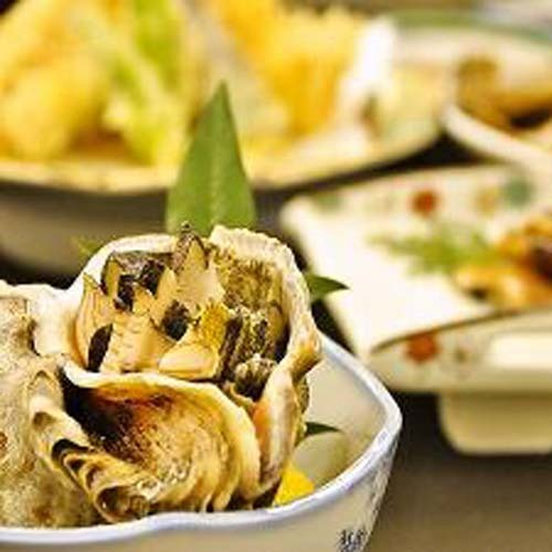 夕食お料理一例(季節料理:ニシ貝)