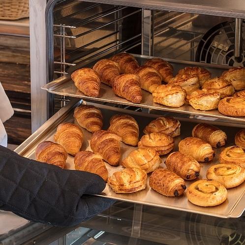 毎朝焼立てホテルメイドのパン