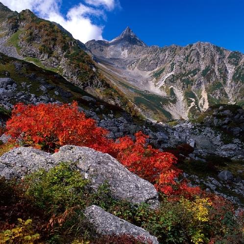 秋紅葉の槍ヶ岳